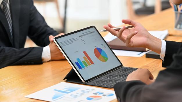 مدیریت مالی و مشاوره مالی